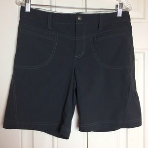 Athleta hiking Bermuda shorts size 8